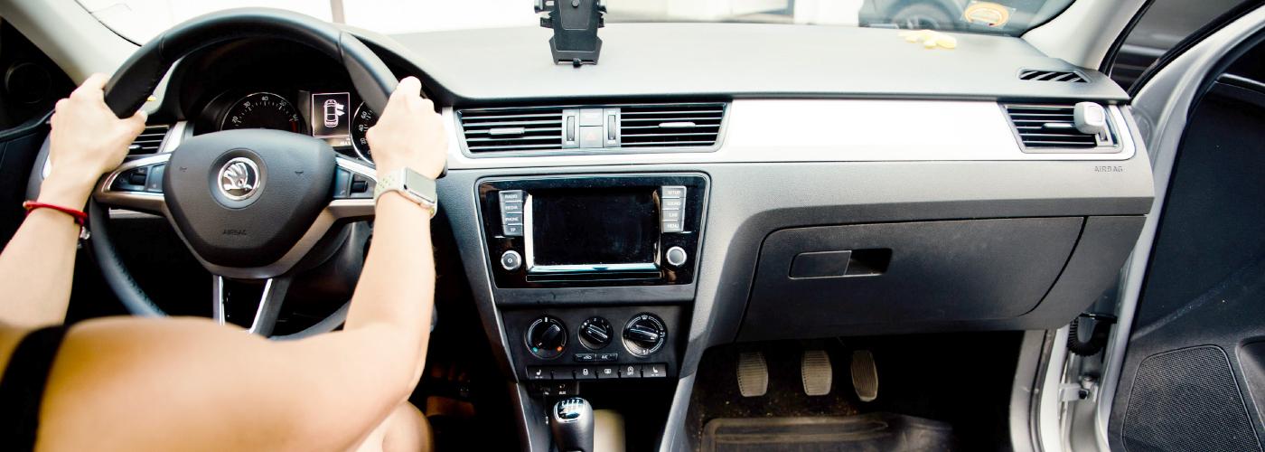 Driving-instructor-rapid-interior